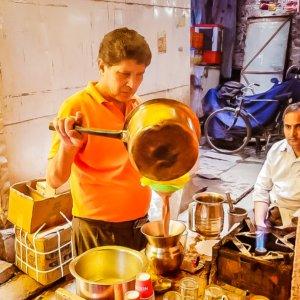 Chai wallah chai schenker op straat