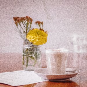 Chai in glas, rustmoment, pauze chai